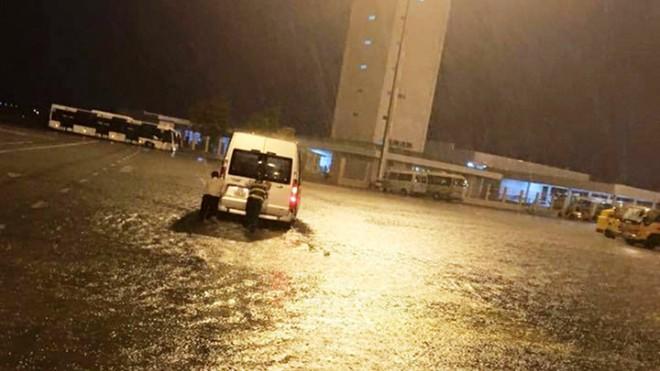 Sân bay Tân Sơn Nhất bị ngập nặng vào tối 26/8 vừa qua