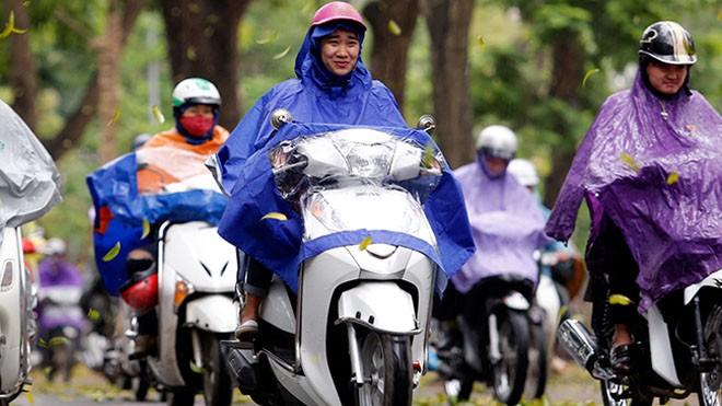 Ở Hà Nội sáng nay đã có những đợt  mưa rào bất chợt , xuất hiên những đợt gió lạnh và sẽ giữ trạng thái này suốt cả ngày.