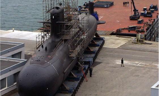 Tàu ngầm lớp Scorpene của Hải quân Ấn Độ tại xưởng đóng tàu Mazgaon Docks Limited