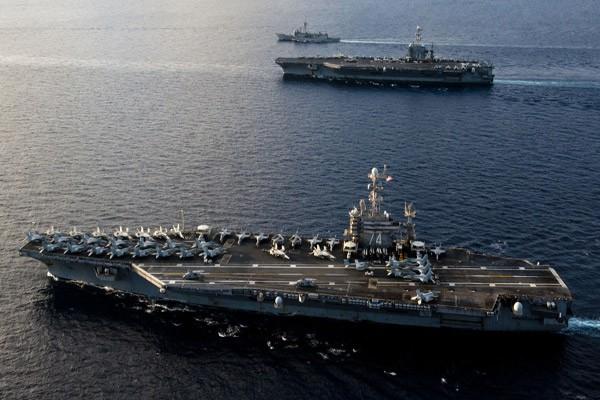 Được xem là những ngôi sao của Hạm đội Thái Bình Dương 2 tàu sân bay USS John C.Stennis và tàu USS George Washington luôn trở thành tâm điểm chú ý mỗi khí xuất hiện trên một vùng biển có ý nghĩa chiến lược trên thế giới.