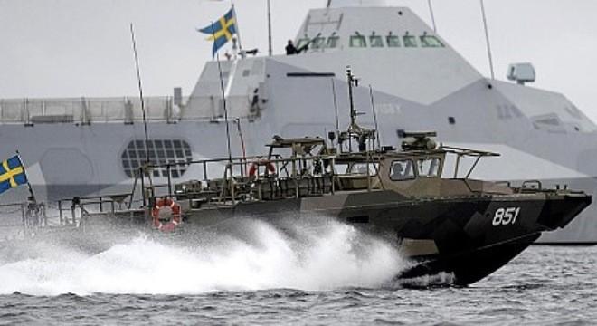 """Chiến dịch truy tìm """"tàu ngầm lạ"""" đã tiêu tốn của Thụy Điển gần 3 triệu USD."""