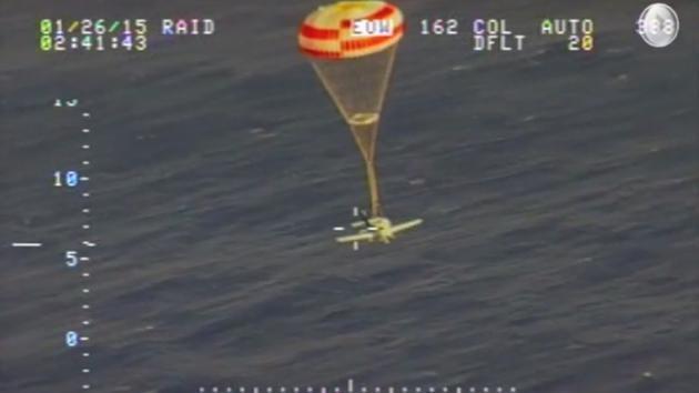 [VIDEO] Khoảnh khắc thần kỳ cứu máy bay hết xăng của phi công