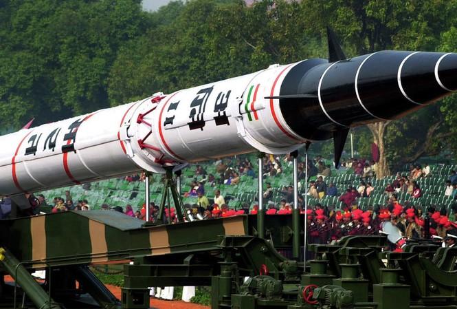 Ấn Độ khai hỏa tên lửa đạn đạo liên lục địa Agni-V