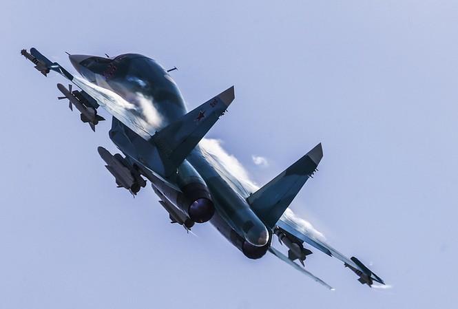 Tiêm kích - ném bom Su-34 của Không quân Nga. Ảnh: Tass