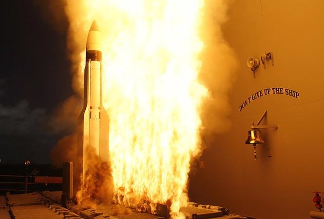 [VIDEO] Mục kích Mỹ - Nhật khai hoả tên lửa Standard Missile-3