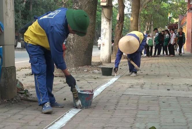 Việc kẻ vạch chỉ giới sẽ giúp đảm bảo trật tự đô thi, giành vỉa hè cho người đi bộ.