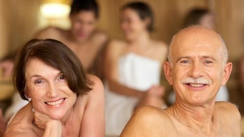 Dành thời gian tại phòng xông hơi khô hoặc ướt giúp bạn cải thiện sức khỏe