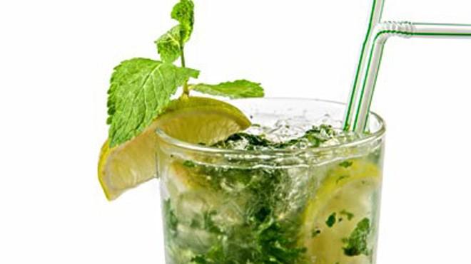 Những thức uống giúp giảm vòng eo