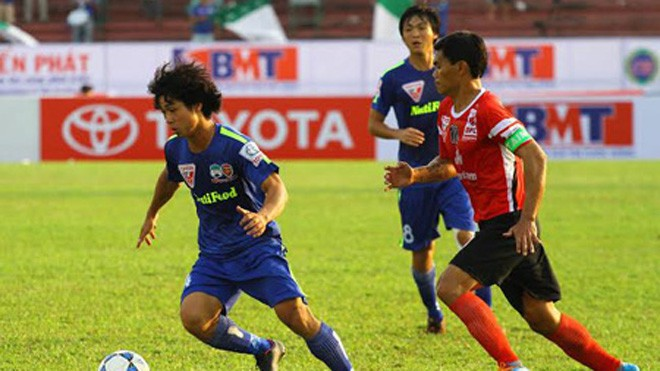 Công Phượng chưa hợp với V-League vì có khi cầu thủ này chưa thay đổi cho phù hợp (ảnh: Kim Điền)