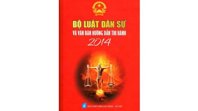 Bìa sách luật in hình diễn viên Công Lý.