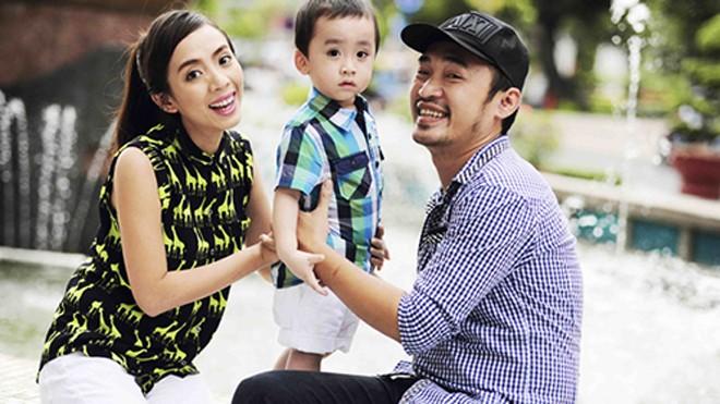 Thu Trang và gia đình sẽ ăn Tết muộn sau khi hoàn tất các buổi diễn phục vụ khán giả.
