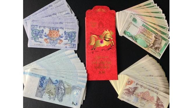 Những đồng tiền có in hình bốn linh vật  của một số quốc gia xách tay từ Mỹ về Việt Nam đang được rao bán nhiều trên kênh online.