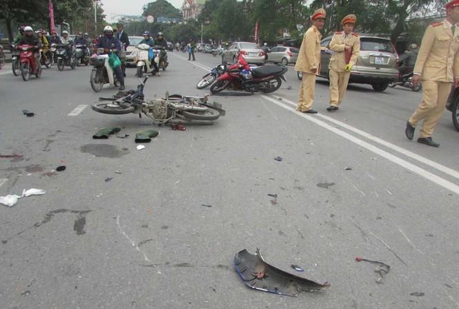 Hiện trường vụ tai nạn làm 3 người nhập viện.