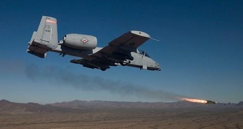 Việc hạ thấp độ cao khi tấn công các mục tiêu mặt đất sẽ là cơ hội tốt cho phiến quân ISIS bắn hạ những chiếc A-10 của Quân đội Mỹ.