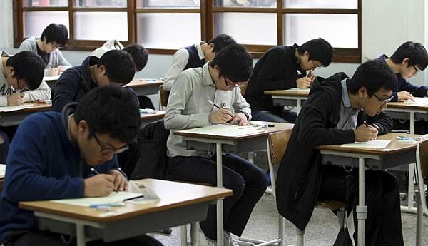 Hàn Quốc: Thí sinh kiện Chính phủ vì lỗi trong đề thi đại học