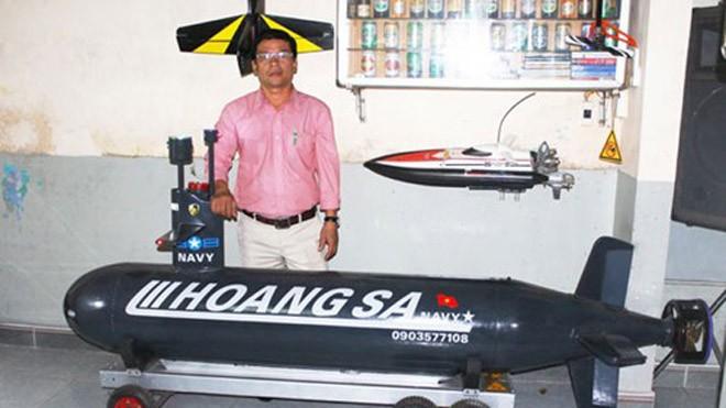Tàu lặn điều khiển từ xa ra sông Hương
