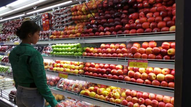 Các siêu thị và các vựa trái cây đã bày bán táo Mỹ trở lại
