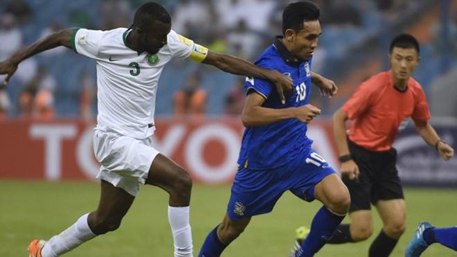 Trọng tài Fu Ming từng gây ra tranh cãi trong trận Saudi Arabia gặp Thái Lan tại vòng loại World Cup 2018. Ảnh: Getty Images.