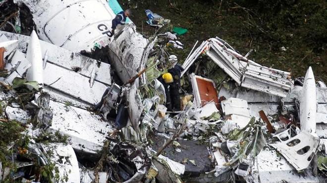 Hiện trường vụ tai nạn máy bay ở Colombia (Ảnh: Reuters)