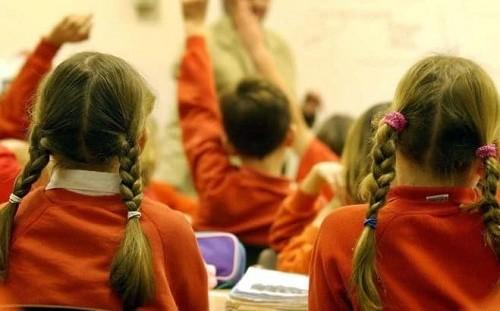 Phụ huynh bị phạt 60 bảng Anh vì con thường xuyên đi học muộn.