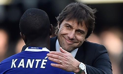 Mọi thứ đều đang ủng hộ thầy trò Conte trên chặng còn lại của cuộc đua vô địch Ngoại hạng Anh mùa này. Ảnh: Reuters.