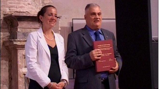 Luciano Baietti là người có nhiều bằng đại học nhất thế giới.