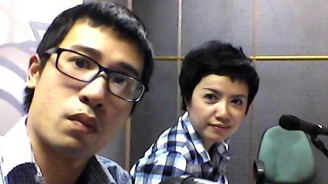 Viết Duy và BTV Phương Hiền, đồng nghiệp của anh trong nhiều chương trình phát thanh