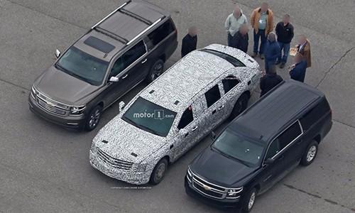 Xe limousine bọc thép mới của tân tổng thống Trump.
