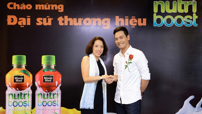 Phan Anh chính thức trở thành Đại sứ thương hiệu của nhãn hàng Nutriboost vào đầu năm 2017