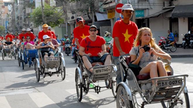 Khách quốc tế đến Việt Nam vượt mốc 1 triệu lượt/1 tháng