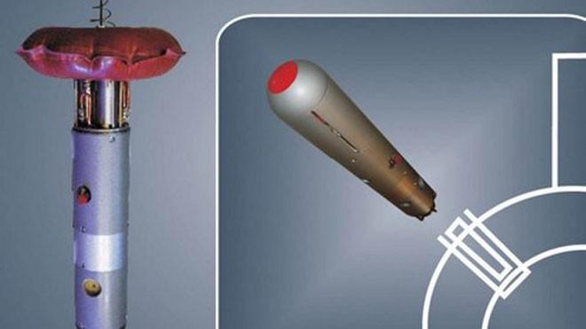 Bộ thiết bị Vist-2 khi triển khai (trái) và lúc phóng từ tàu ngầm. Ảnh: Rosoboronexport.