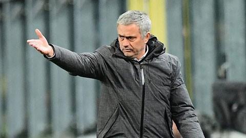 Mourinho dùng vô chiêu thắng hữu chiêu