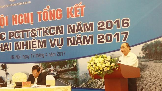 Thủ tướng Nguyễn Xuân Phúc cho biết,  mạng lưới trạm quan trắc còn thưa, chưa đáp ứng được yêu cầu dự báo về mưa lũ,