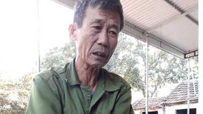 Ông Đặng Xuân Hải (thôn 7, xã Nga Bạch) trình bày nguyện vọng muốn chủ tịch Thu trở về công tác tại địa phương. Ảnh: Hoàng Lam