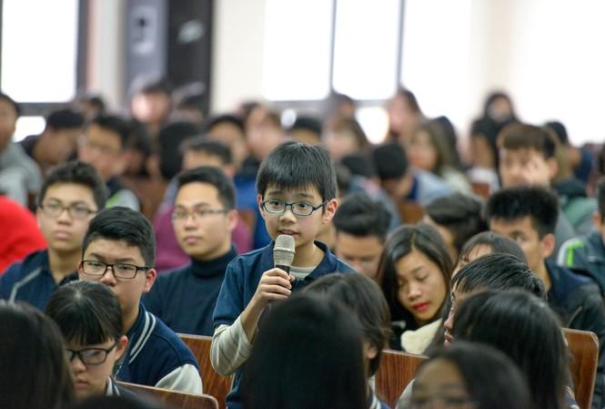 Học sinh nhỏ tuổi cũng hào hứng tham gia hội thảo tư vấn du học
