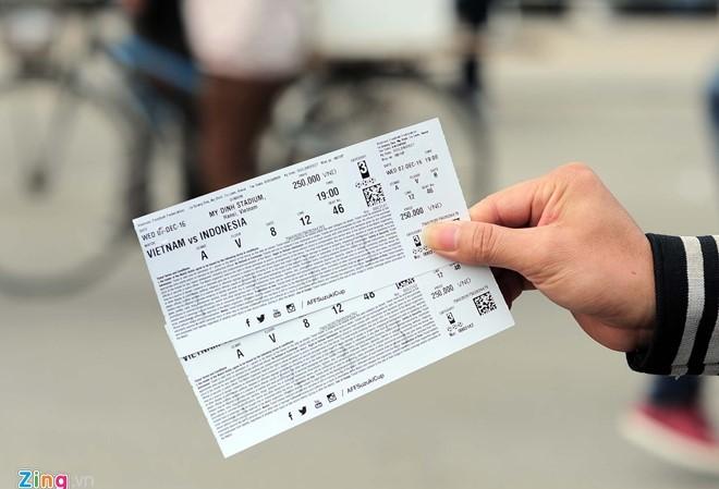 Giá vé chợ đen tăng gấp 3-4 lần so với giá vé từ ban tổ chức.