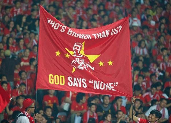 CĐV Indonesia nổi điên dù đội nhà thắng Việt Nam.