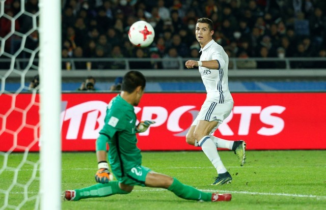 Ronaldo lập hat-trick cho Real Madrid.