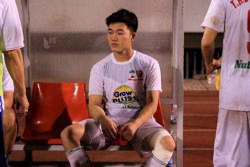Xuân Trường dính chấn thương và sẽ lỡ trận gặp U21 Việt Nam.