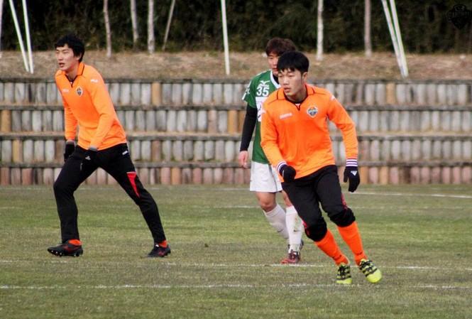 Xuân Trường ra sân, Gangwon FC đại thắng 4-0.