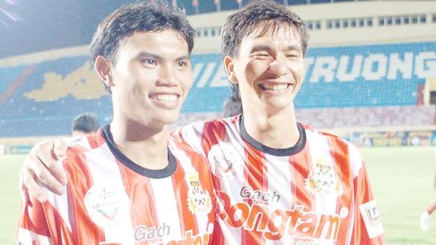 Phan Văn Giàu và Phan Văn Tài Em.