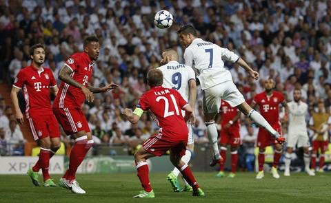 Cristiano Ronaldo tỏa sáng trước Bayern Munich.