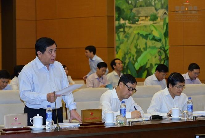 Bộ trưởng Bộ KH&ĐT Nguyễn Chí Dũng ngạc nhiên trước các ý kiến trái chiều từ các Bộ.