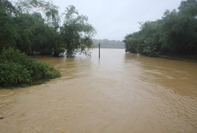 Mưa đã giảm nên hồ chứa Vực Mấu sẽ không xả lũ trong sáng nay.