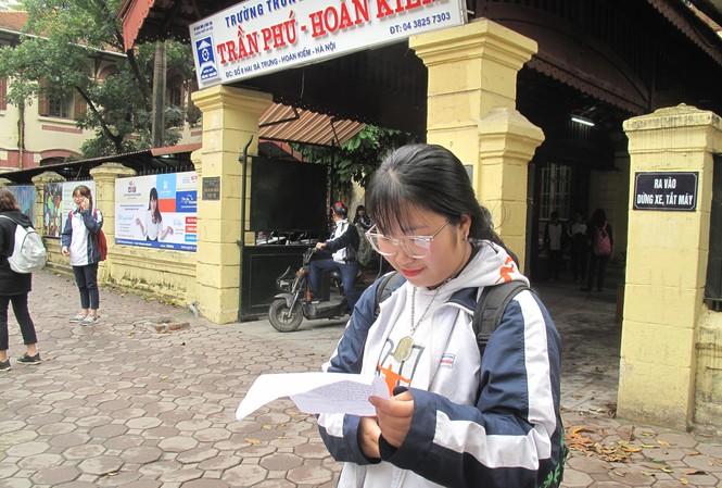 Khảo sát toàn bộ học sinh lớp 12 Hà Nội: Thí sinh thở phào vì đề Văn dễ