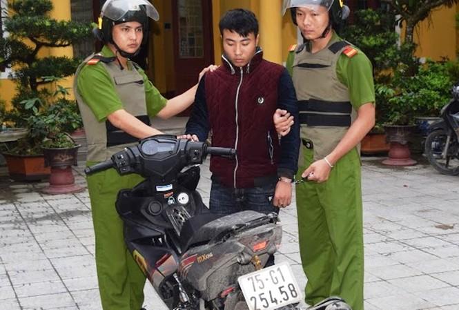 Đối tượng Ngô Văn Huy cùng phương tiện gây án là chiếc xe gắn máy hiệu Exciter.