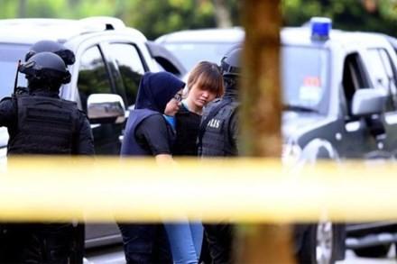 Nghi phạm Đoàn Thị Hương tại phiên tòa ngày 13/4. Ảnh: AFP
