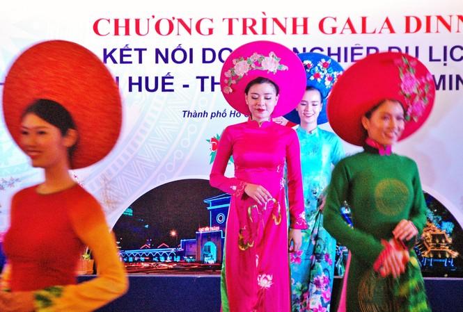 Quang cảnh Gala kết nối du lịch Thừa Thiên Huế và du lịch TPHCM.