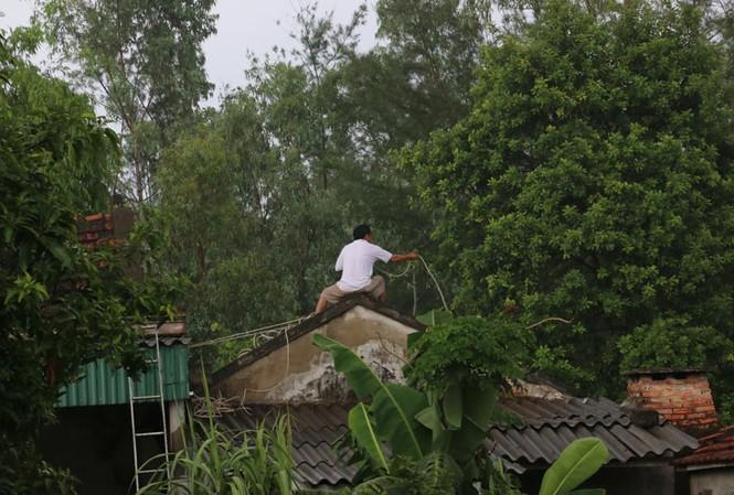 Tin mới nhất về cơn bão số 10 uy hiếp bờ biển miền Trung - ảnh 1