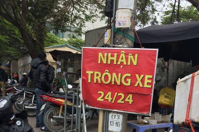 Nhiều điểm trông giữ xe ở Hà Nội chưa thực hiện thu đúng giá quy định.